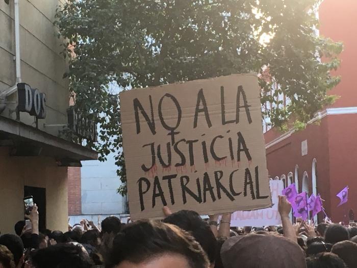 """Desmontando mitos feministas: """"La Violencia Institucional"""""""