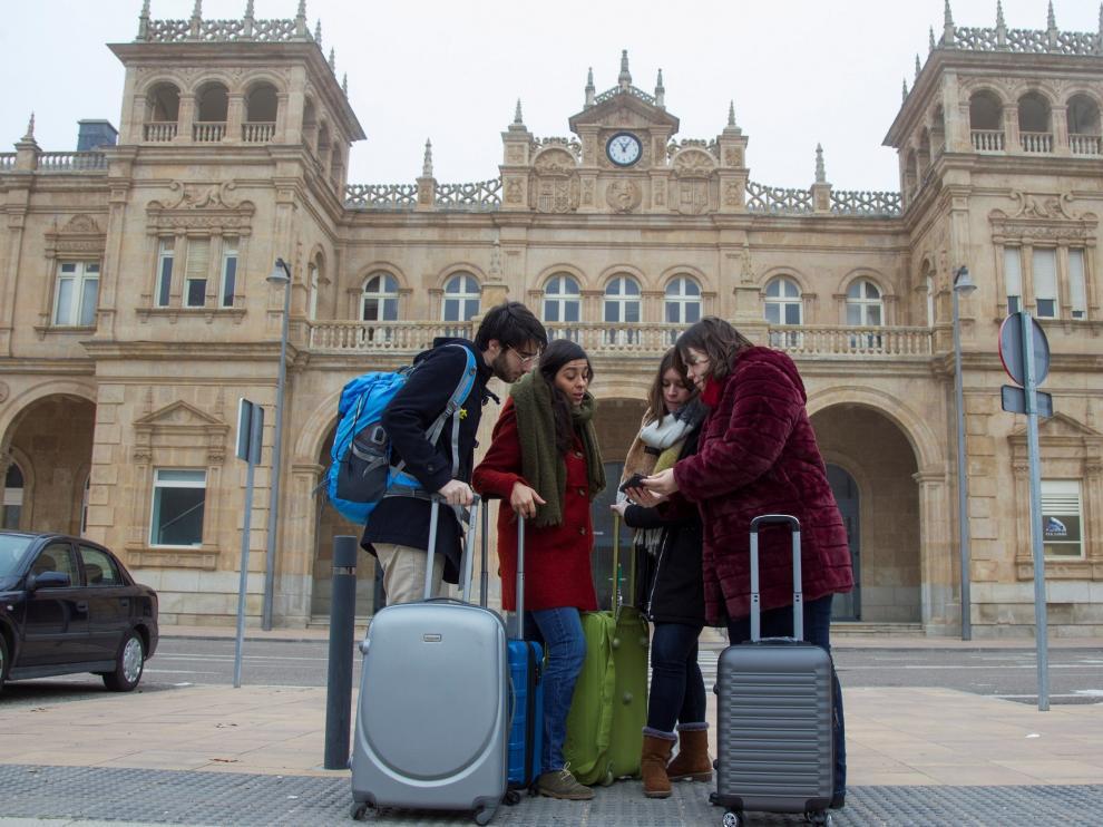 los-hijos-de-la-espana-vaciada-piden-volver-a-su-tierra-en-un-video-viral.jpg